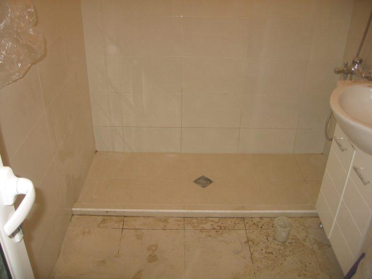 откриване на теч в баня